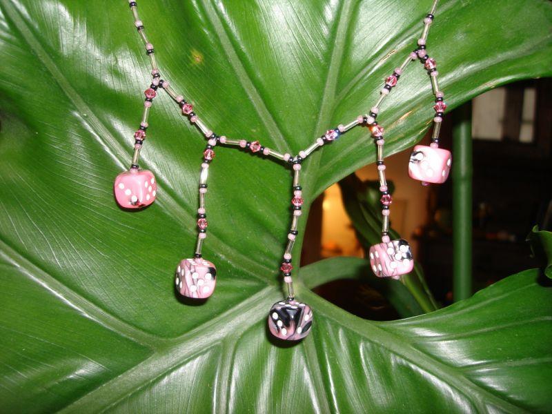Mon premier collier  dans Les colliers dsc01615