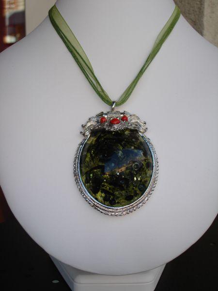 Collier Artefact dans Les colliers dsc02476